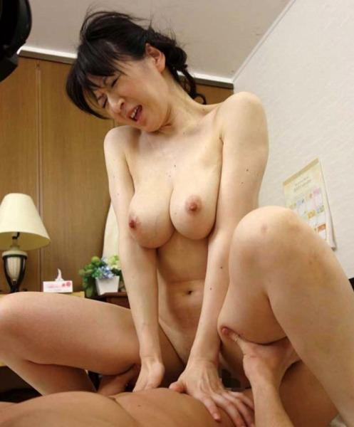 大橋ひとみ・40代AV女優・騎乗位