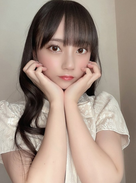 七沢みあ・美人AV女優・顔射