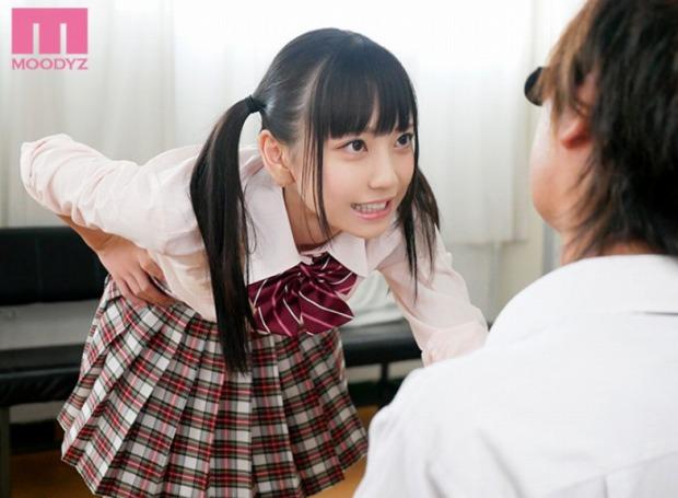 七沢みあ・制服女子・ツインテール
