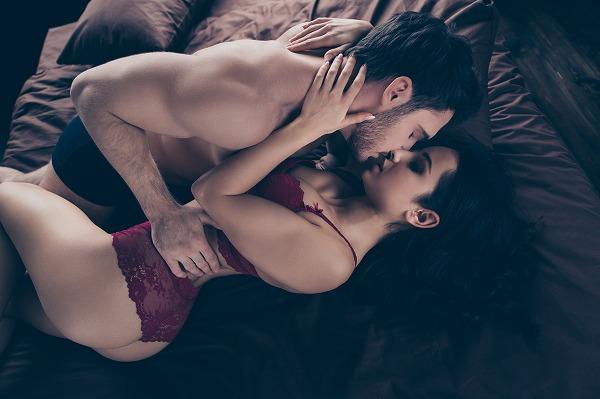 女性とのキス